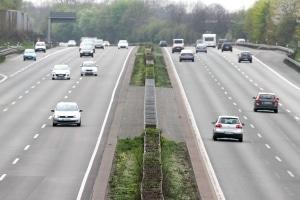Wie überholen Sie richtig, wenn keine unklare Verkehrslage besteht?