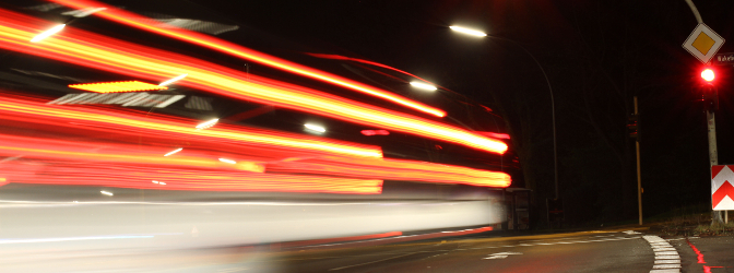 Sie waren 50 km/h zu schnell? Von Ihrem Führerschein müssen Sie sich voraussichtlich vorerst verabschieden.
