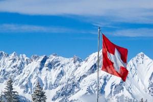 In der Tempo-50-Zone mit 80 km/h geblitzt? In der Schweiz gibt es sehr viel höhere Sanktionen.