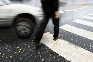 Falsches Abbiegen kann ein Bußgeld oder einen Unfall zur Folge haben.