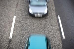 Abstandsunterschreitung: Auf der Autobahn kann diese verheerende Folgen haben