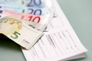 Bei einer Abstandsunterschreitung kann ein Bußgeld verhängt werden.
