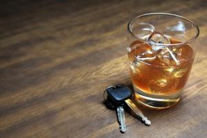 Achtung Alkoholkontrolle: 0,5 Promille stellen die Grenze in Deutschland dar.