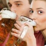 Alkoholmessgerät: Ob Bier, Wein oder Schnaps, der Alkomat verrät die Atemalkoholkonzentration.