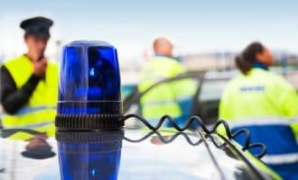 Für eine Anhörung im Bußgeldverfahren gilt nach drei Monaten die Verjährung: die Polizei muss ihre Ermittlungen einstellen.