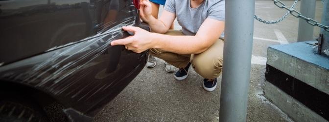 Haben Sie ein Auto angefahren und Fahrerflucht begangen? Welche Strafe kann Ihnen nun drohen?