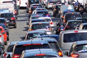 Weil in den Ferien die Autobahn in Frankreich häufig zugestopft ist, gibt es an manchen Tagen ein spezielles Fahrverbot.