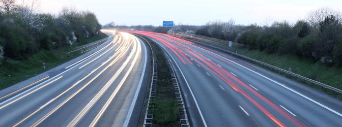 Autobahn: Die erlaubte Geschwindigkeit in Europa variiert von Land zu Land.