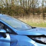 Nach einem Unfall sollten Sie unverzüglich Ihrer Autoversicherung den Schaden melden.