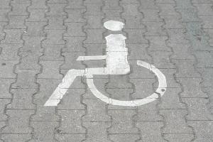 Behindertenparkplätze gehören auch zur Parkraumbewirtschaftung.
