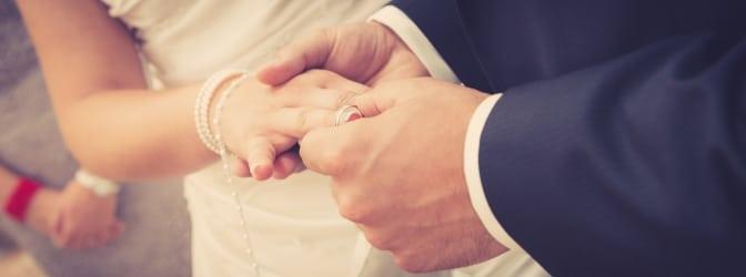 Besondere Daten (wie der Hochzeitstag) eignen sich besonders für das Wunschkennzeichen.