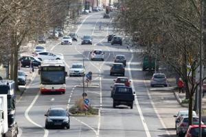 Auch bei Anwendung der 12-Tage-Regelung müssen Busfahrer die gesetzlichen Pausen beachten.