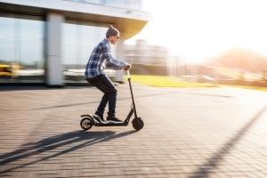 Welches Bußgeld droht bei E-Scooter-Verstößen?