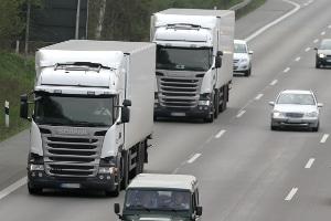 Droht ein Bußgeld, wenn das Lkw-Fahrverbot missachtet wird?