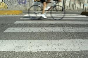 Der Bußgeldkatalog enthält auch Sanktionen für Fahrradfahrer, die sich nicht an die Verkehrsregeln halten.