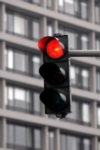 Anhörung im Bußgeldverfahren: wurde eine Rote Ampel überfahren, ist meist keine Tathergangsbeschreibung nötig