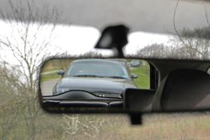 Oft sind sich Autofahrer unsicher, wie sie mit einem Drängler umgehen sollen.