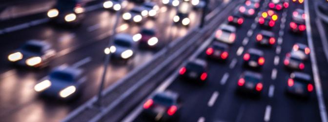 Dreispurige Autobahn: Dürfen Sie rechts überholen?