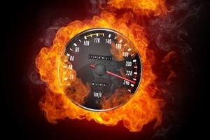 Wenn Sie Einspruch erheben, beeinflusst dies die Dauer von einem Bußgeldverfahren wegen einer Geschwindigkeitsüberschreitung.