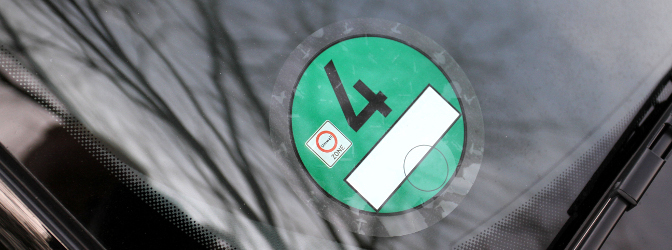 Bei der Abgasnorm Euro 6 ist die Diesel-Plakette grün.