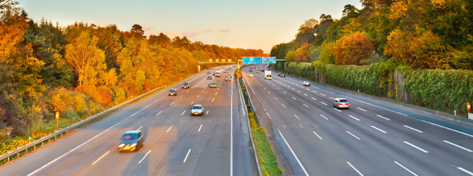 Eine Europastraße kann durch verschiedene Länder über den kompletten Kontinent führen.