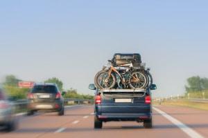 Viele Europastraßen führen durch Deutschland und laden auf einen Trip durch Europa ein.