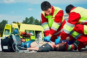Wird bei einem Unfall mit Personenschaden Fahrerflucht begangen, ist dies unterlassene Hilfeleistung.