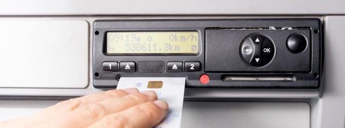 Wer darf eine Fahrerkarte auslesen? Wie funktioniert das?