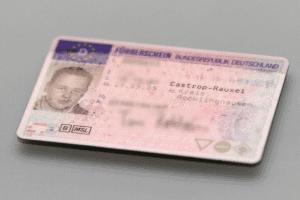 Die Fahrerlaubnis-DE ist grundsätzlich auf 5 Jahre beschränkt.