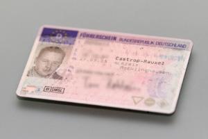 Das einheitliche, europäische Führerscheinformat als Ausweis für die Fahrerlaubnis