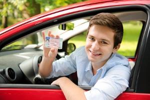 Fahrerlaubnisentzug: Die Dauer richtet sich nach Art und Schwere des Verstoßes.