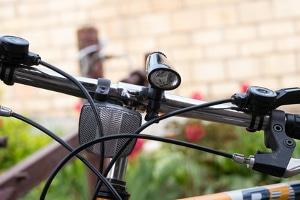 Das Fahrradlicht darf abnehmbar sein.