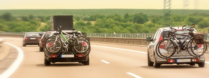 Als Urlauber sollten Sie wissen, wie die Regelungen zum Fahrradträger in Dänemark aussehen.