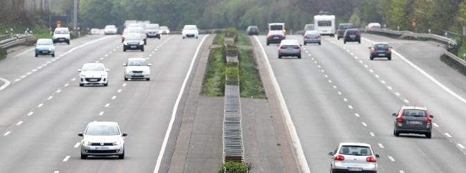 Fahrverbot: Auf der Autobahn führen insbesondere Geschwindigkeitsüberschreitungen dazu, aber nicht nur.