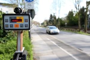 Ein Fahrverbot für Ersttäter droht bei hohen Geschwindigkeitsüberschreitungen.