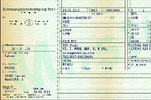 Eine Fahrzeugschein-Kopie im Auto mitzuführen ist nicht untersagt, diese wird jedoch meist nicht anerkannt
