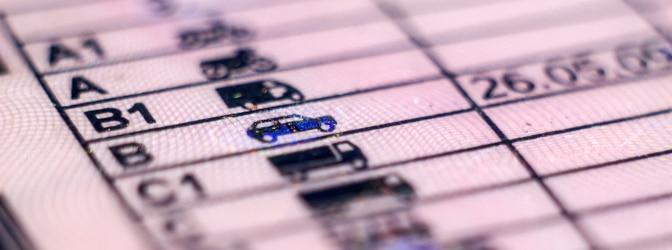 Haben Sie das Mindestalter erreicht, wird der Führerschein nach bestandener Fahrprüfung ausgehändigt.