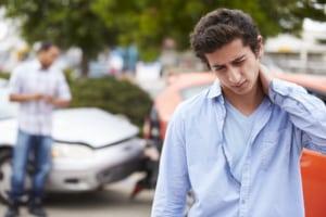 Wenn Sie mit dem noch druckfrischen Führerschein in der Probezeit einen Unfall gebaut haben, entscheidet dessen Ursache über die Konsequenzen.