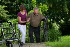 Der Führerscheinentzug ist altersbedingt erforderlich, wenn der Betroffene z. B. physisch eingeschränkt ist.