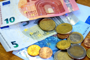 Geblitzt in Holland: Das Bußgeld wird stets dem Fahrzeughalter auferlegt.