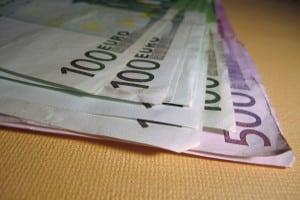 Die Geldstrafe richtet sich, anders als die Geldbuße, nicht nach dem Bußgeldkatalog, sondern wird individuell festgesetzt