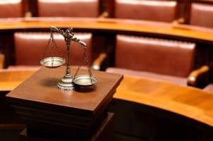 Das deutsche Gericht eintscheidet i. d. R., ob es beim Bußgeld aus der Schweiz zur Vollstreckung kommt.