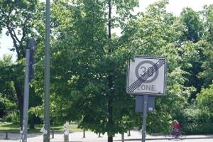 Wann gilt eine Geschwindigkeitsbegrenzung als aufgehoben?