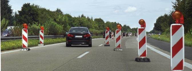 Geschwindigkeitsbegrenzung in einer Baustelle: Die Aufhebung wird nicht immer durch ein Verkehrsschild ausgewiesen.