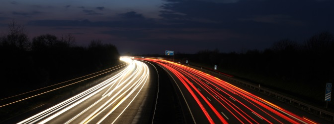 Der Geschwindigkeitsindex gibt die maximal zulässige Höchstgeschwindigkeit für Reifen an.