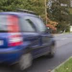 Beispiel Geschwindigkeitsüberschreitung: Auf dem Foto ist nicht erkennbar, wer der Fahrer ist? Ermittlungen werden eingeleitet.