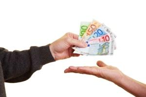Geschwindigkeitsüberschreitung in Italien: Die Kosten für diese können Sie durch eine schnelle Zahlung senken.