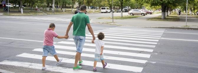 Welche Gesetze gewährleisten die Verkehrssicherheit für Kinder?