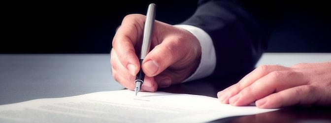 Ob rosa oder grauer Führerschein: Umschreiben lassen müssen Sie die Dokumente auf Antrag bis spätestens 2033.
