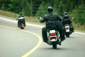 Für die Fahrer von Motorrädern gelten in Griechenland besondere Verkehrsregeln.